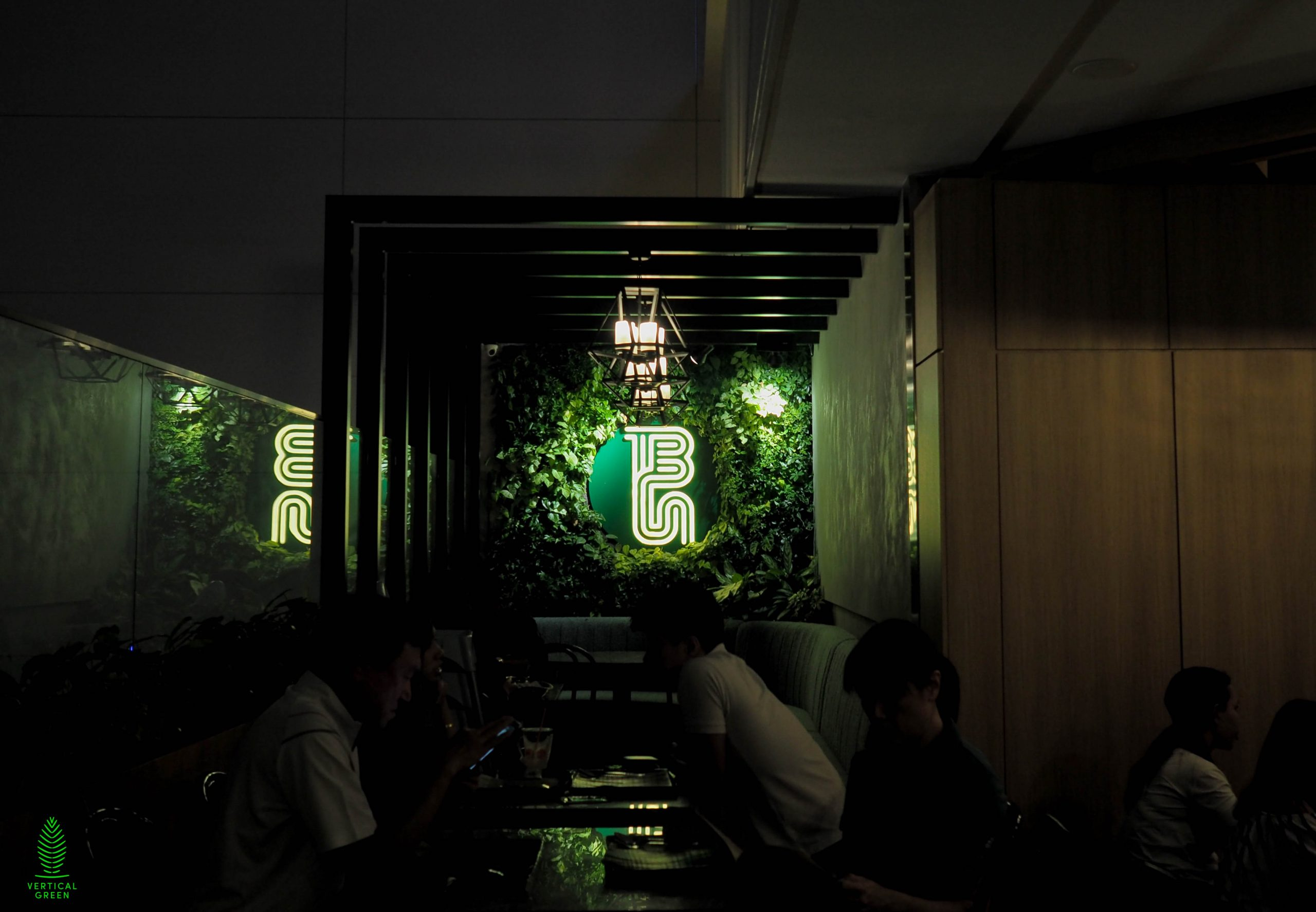 green wall restaurant singapore
