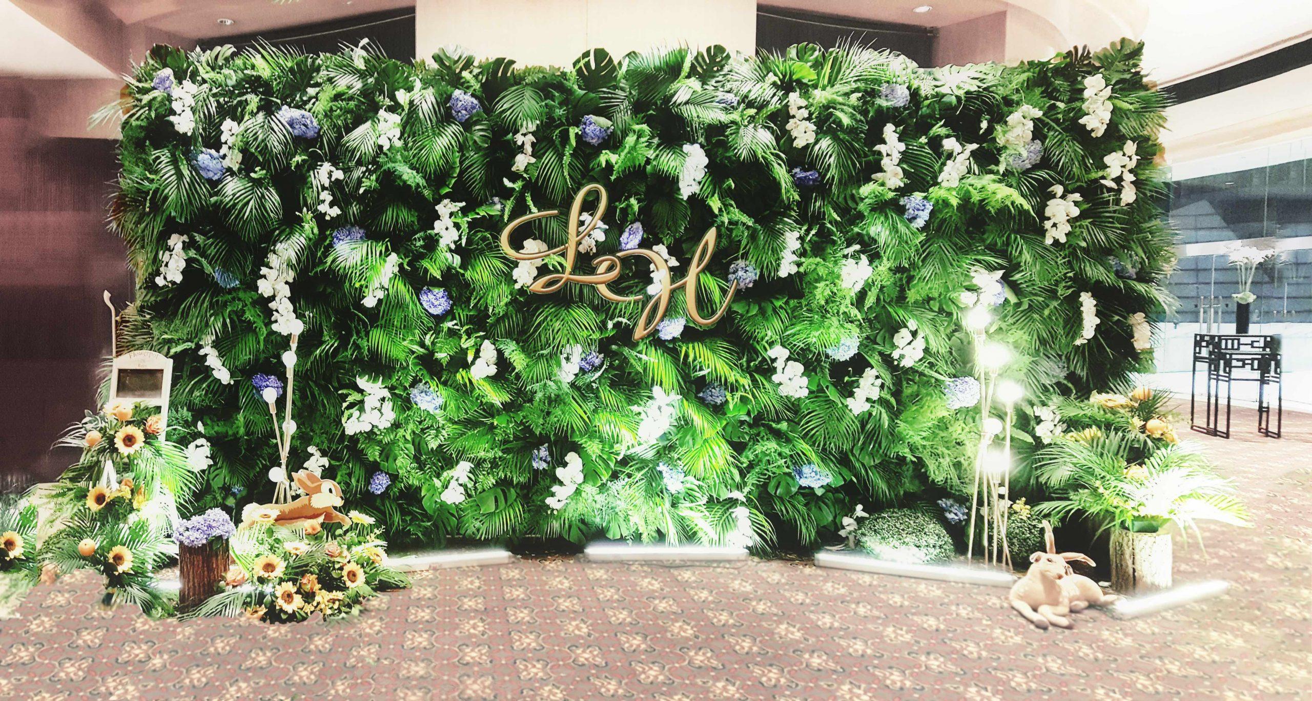 Artificial Green Wall backdrop JW Marriott - wedding event